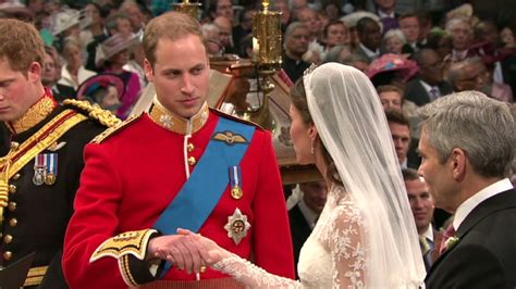 Royal Wedding William Kate Exchange Vows by William And Catherine In Royal Wedding At