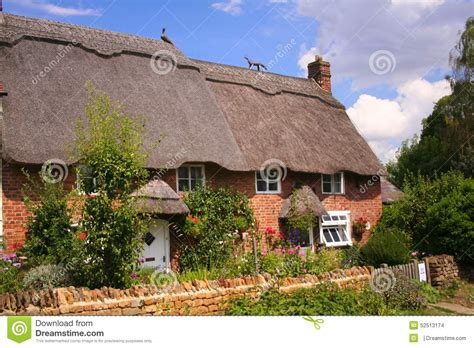 Cottages In Oxfordshire by Thatched Cottages In Oxfordshire Stock Photo Image 52513174