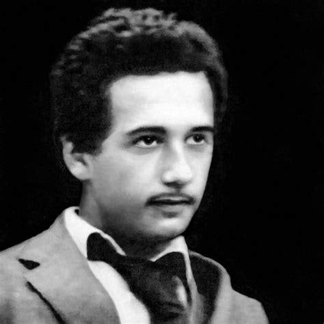 albert einstein youth biography albert einstein when he was young pictures to pin on