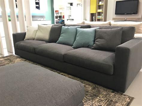 divani lineari divano swan harvard divani lineari tessuto divano 4 posti