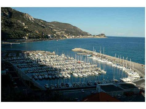 porti in liguria porto finale ligure porti turistici a liguria inautia