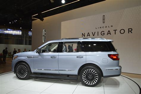 2018 lincoln navigator adds refinement luxury and 450hp