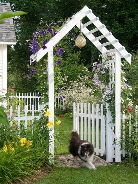 Picket Fence Garden Ideas Backyard Landscaping Ideas Fences Priorities And Gate