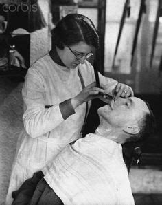 lady barber shaving 1000 images about female barbers on pinterest barbers