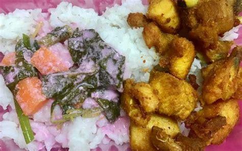 nasi putih dimakan bersama air sirap bandung  ayam