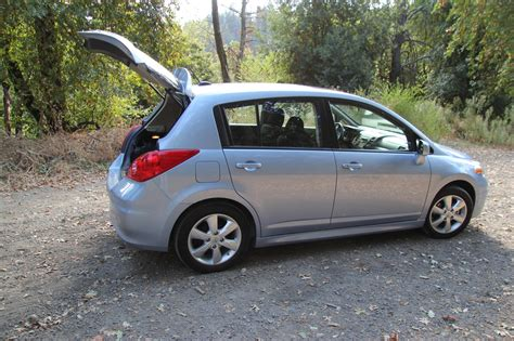 nissan versa 1 8s review 2011 nissan versa 1 8s the about cars