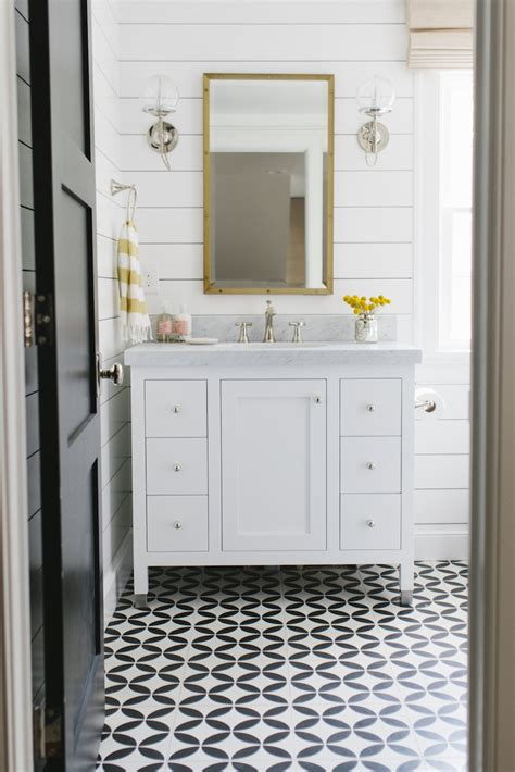 Black And White Tile In Bathroom by Black And White Tile Floor Bathroom Www Imgkid The
