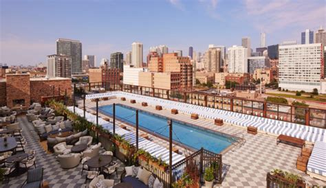 Top Bars In Downtown Chicago 5 Hotel Rooftops For Keeping Cool Azure Magazine