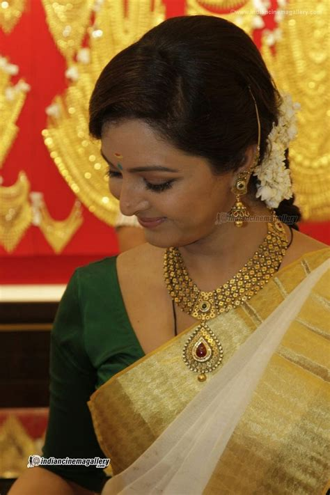 hairstyles for party in kerala 103 best kerala style images on pinterest kerala saree