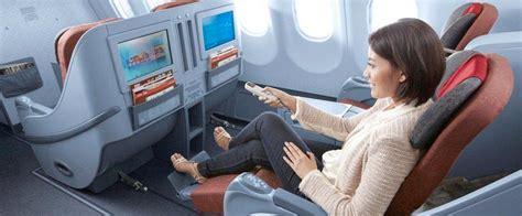 Selimut Garuda Penerbangan Nyaman Bersama Garuda Indonesia Nde Tigan