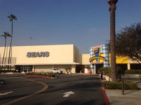 buena park downtown   shopping centers