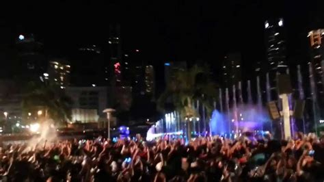 new year hers malaysia klcc kuala lumpur malaysia firework happy new year 2014