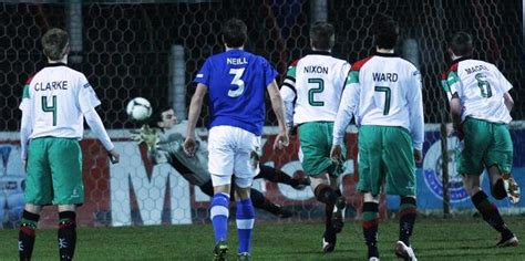 another day new year s honours another milestone for elliott glentoran fc