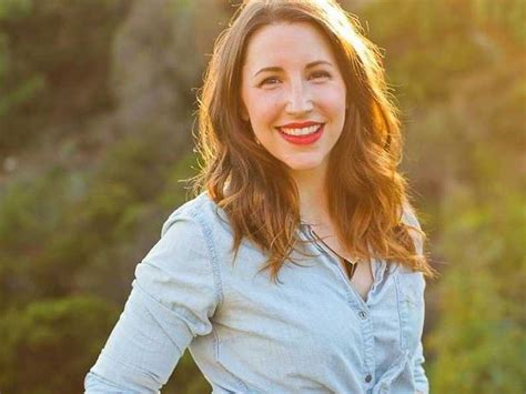 Caroline White how a former started earning 6 figures while