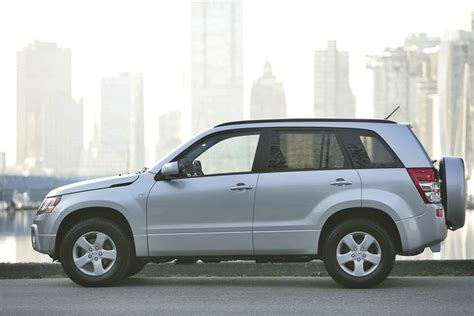 2011 Suzuki Specs 2011 Suzuki Grand Vitara Price Mpg Review Specs Pictures