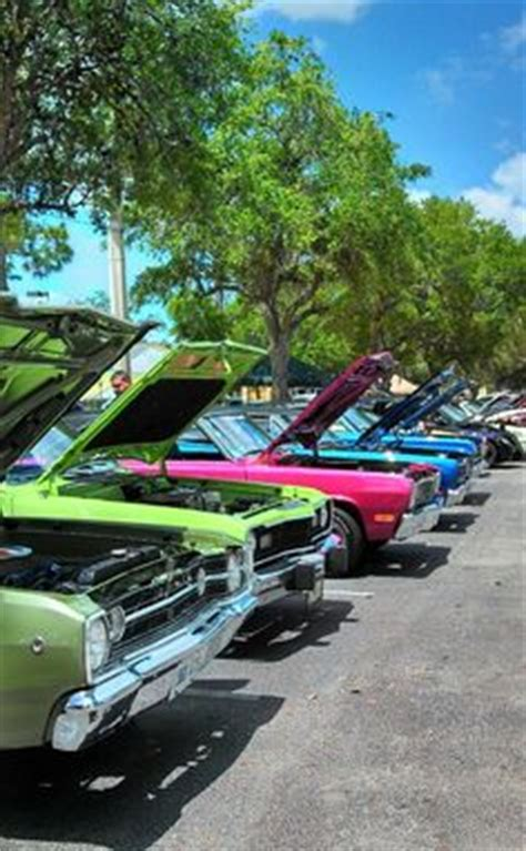 paint nite kissimmee a row of cars at the town saturday cruise car