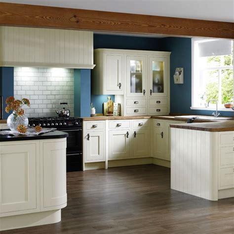 country kitchen painting ideas painted country kitchen country kitchen ideas housetohome co uk
