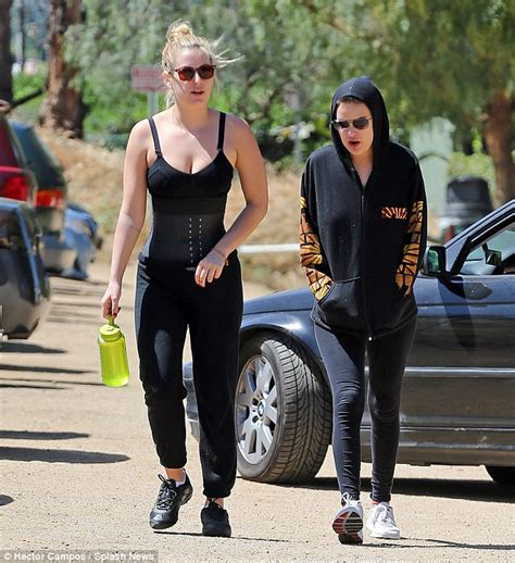 celebrity style trainers scout willis is the latest celebrity to try out a waist