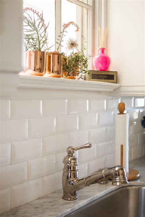 subway tile backsplashes for kitchens 1000 ideas about white tile backsplash on