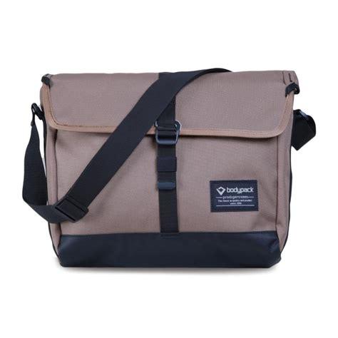 Tas Bodypack Voltage 2 0 jual bodypack stuttgart tas selempang khaki 2 0