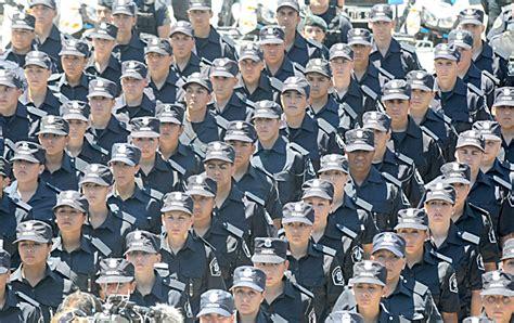 aumento policia y spb vidal vidal otorg 243 aumento a la polic 237 a y comenzar 225 a regir en
