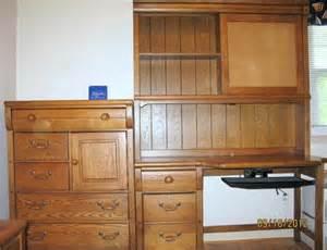 Lexington furniture oak locker room bedroom suite desk hutch dresser