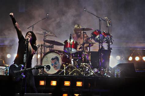 foo fighters better hawkins freddie mercury foo fighters drum kit