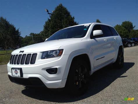 white jeep grand cherokee wheels 2015 bright white jeep grand cherokee altitude 4x4