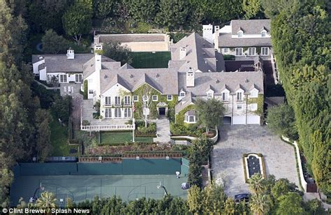 tom cruise mansion homes of the rich and famous the homes of tom cruise and