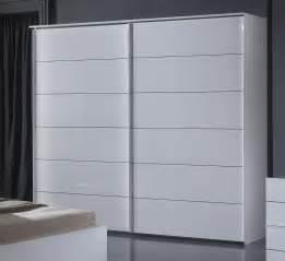 armoire design portes coulissantes laqu 233 e blanche gardian