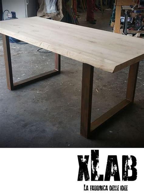 comodini in ferro battuto e legno nuovo tavolo da pranzo con piano in legno massello di