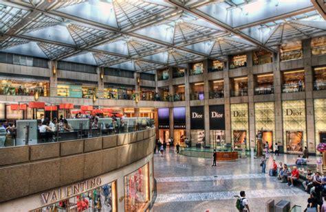 image gallery hong kong luxury the landmark luxury shopping mall hong kong cpp luxury