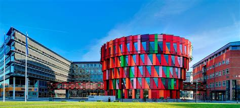 colorful buildings the 13 most colorful buildings around the world photos
