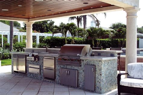Outdoor Kitchens Florida - 10 tips for designing the ultimate outdoor kitchen amp living area