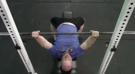 flared elbows bench press technique tuesday how and when to flare the elbows during