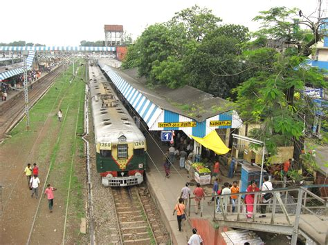 File:Naihati Rail Station by Piyal Kundu2   Wikimedia