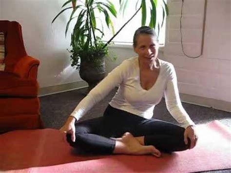 tutorial kundalini yoga youtube 1 rotate the hips kundalini yoga youtube