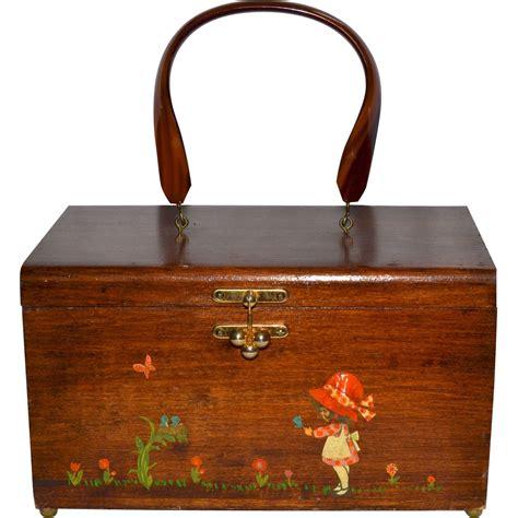 Decoupage Purse - 1960s hobbie inspired decoupage wood box purse w