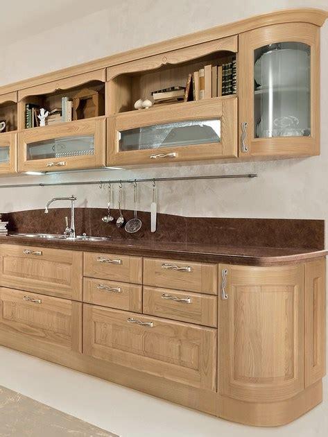 cucina in castagno cucina in castagno con isola cucina in legno