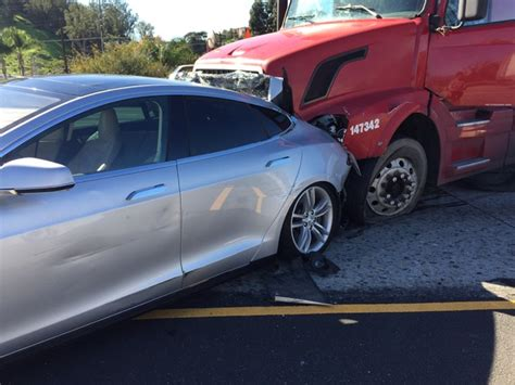 Where Is Tesla Built Tesla Model S Collision With A Trailer Shows How Tough The