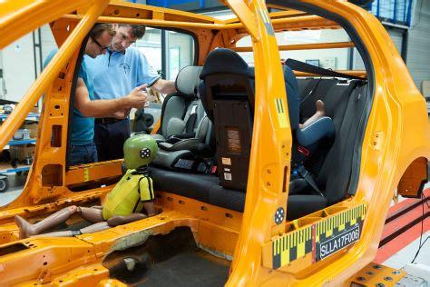 Kindersitz Auto Testsieger 2017 by Adac Kindersitz Test Oktober 2017 Zwei Sitze Quot Mangelhaft