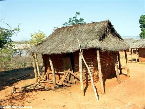 hutte indienne tsianaloka hut manambolo