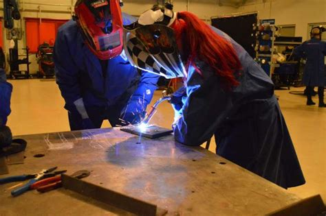 welding foundation holds educational event for students