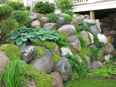 Rock Garden Walls We Need To Plant Ground Cover On And Around The Retaining Walls Garden Ideas