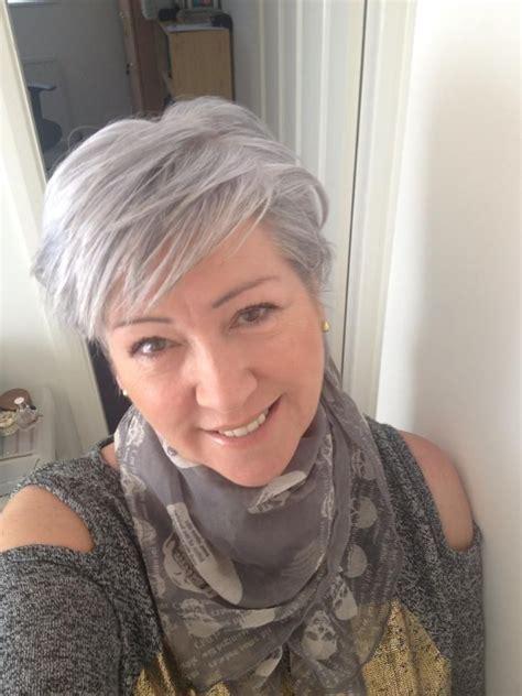 pretty hairstyles for gray hair grey hair beautiful cabello corto pinterest
