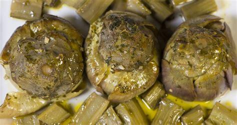 come cucinare pasta e carciofi ricetta carciofi alla romana ricette di buttalapasta