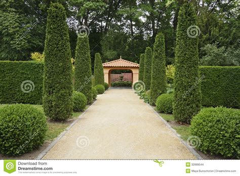 Luxury Mediterranean Homes path in italian formal garden stock images image 32999544