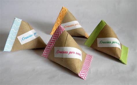 diy como hacer servilleteros para navidad con tubos de carton 50 manualidades originales hechas con tubos de cart 243 n y