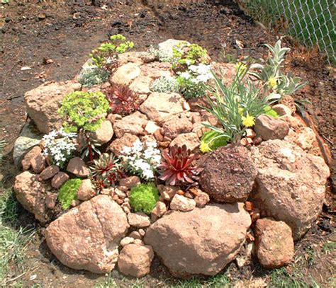 Artificial Rocks For Garden Decoration Home Designs Project Garden Of Rocks
