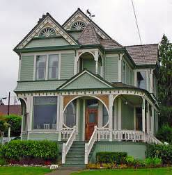 Choosing exterior paint colors for your home